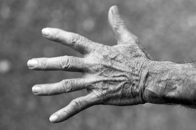 προβλήματα με τα ραντεβού ηλικιωμένων άνθρωπος